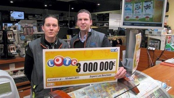 Gagner au jeux de hasard et au loto par l'aide du MAITRE VOYANT ALOKPON dans Attirer des nouveaux clients avec la Magie blanche fef4bf2e